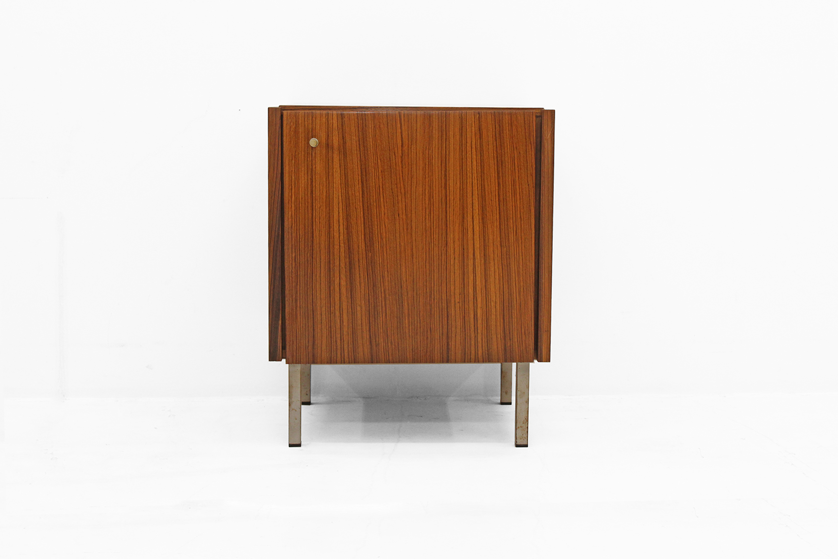 Small cabinet in indian rosewood