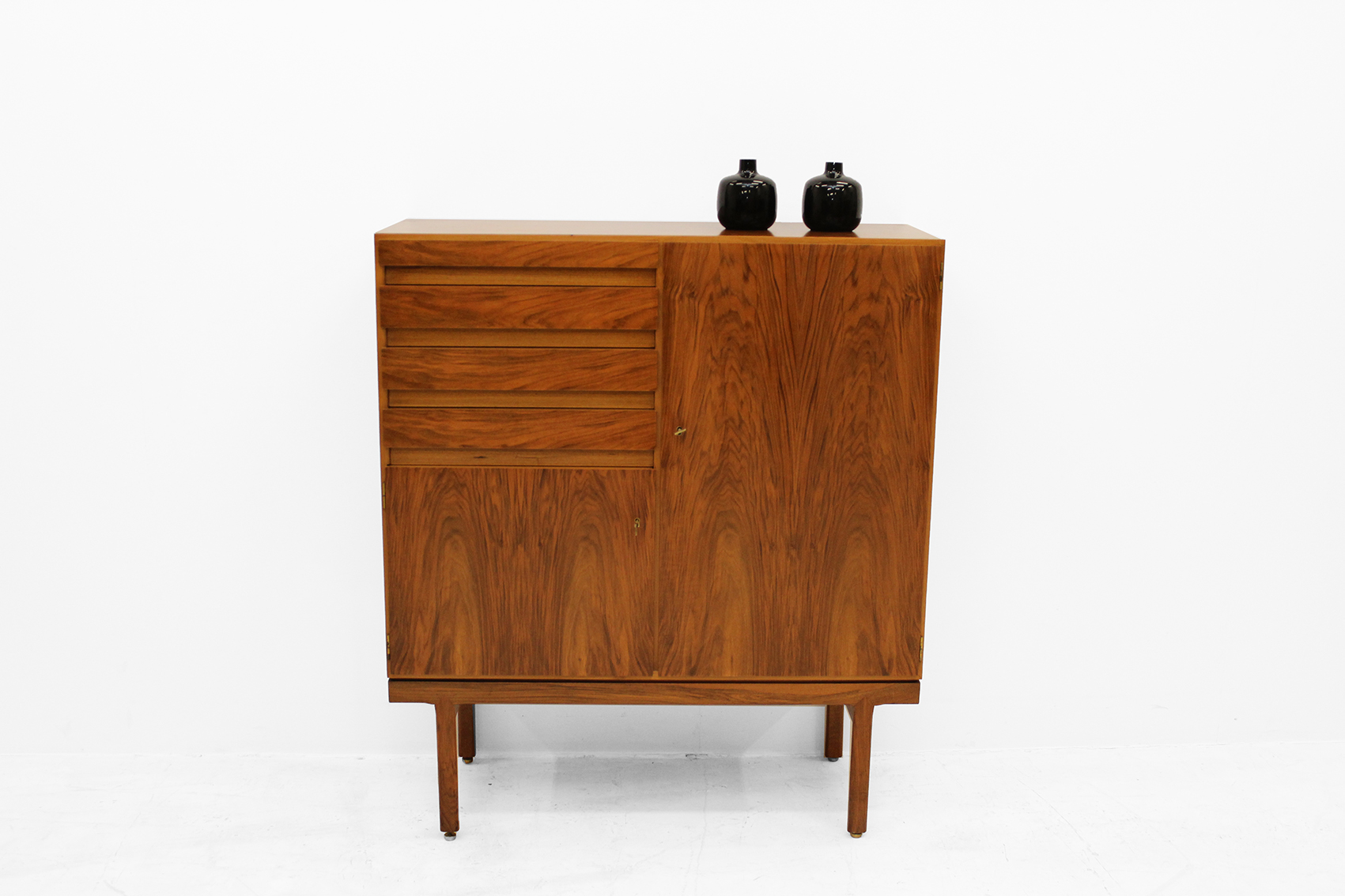 Abstracta Cabinet with drawers by Van den Berghe Pauvers